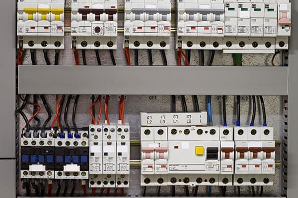 En elektrikers verktyg i vardagsarbetet